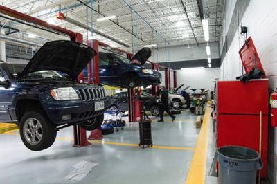 Dulles Motorcars Chrysler Jeep Dodge RAM Image 8