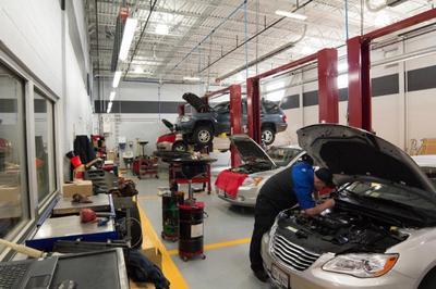 Dulles Motorcars Chrysler Jeep Dodge RAM Image 9