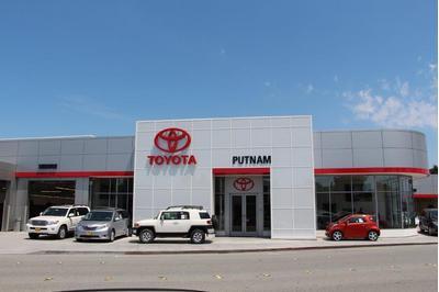Putnam Toyota Alfa Romeo Fiat of Burlingame Image 5
