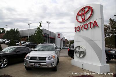 Motorcars Toyota Image 1