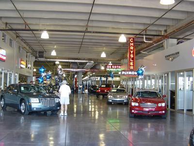 Bill Luke Chrysler Jeep Dodge RAM Image 4