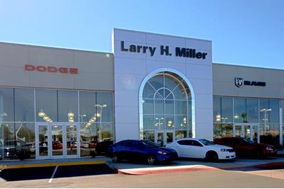 Larry H. Miller Dodge RAM Peoria Image 9