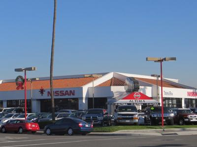 Tustin Nissan Image 4