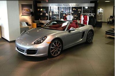 Napleton Porsche of Westmont Image 2