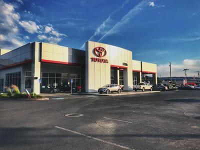 Lithia Toyota of Medford Image 3