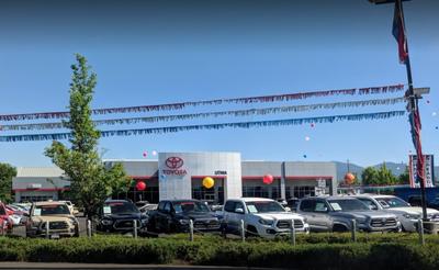 Lithia Toyota of Medford Image 5