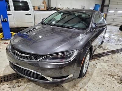 Chrysler 200 2015 for Sale in Columbus, OH
