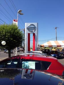 Nissan of Portland Image 3