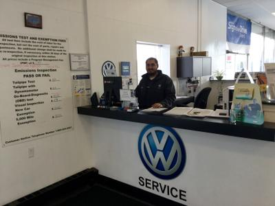 Hillcrest Volkswagen Inc Image 6