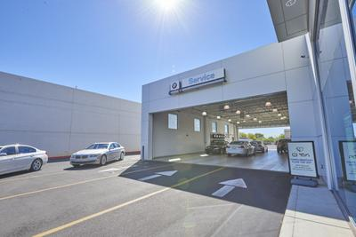 BMW of Tucson Image 4