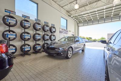 BMW of Tucson Image 8