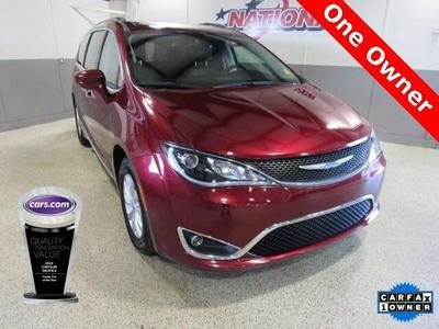 Chrysler Pacifica 2018 for Sale in Jacksonville, NC
