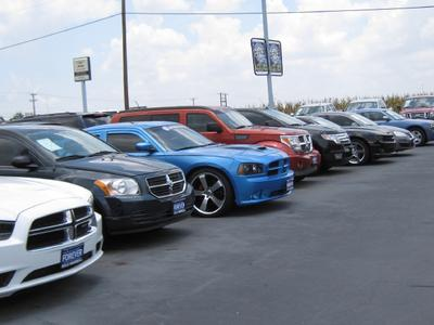 Nyle Maxwell Chrysler Jeep Dodge of Taylor Image 3