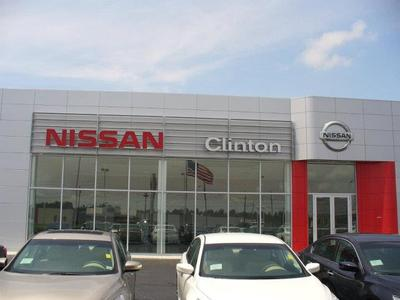 Nissan of Clinton Image 5
