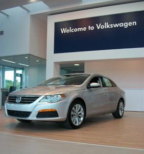 McDaniels VW/Acura on Killian Image 4