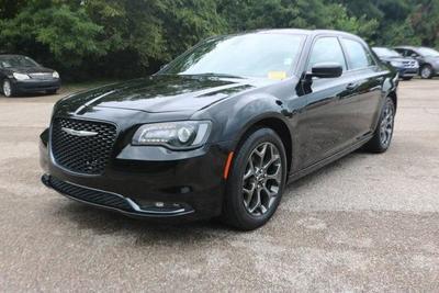 Chrysler 300 2017 for Sale in Millington, TN