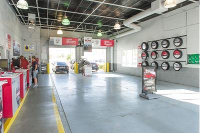 Palm Springs Nissan Image 4