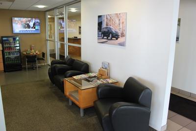 Bob Luegers Motors Inc Image 8