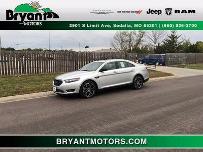 Ford Taurus 2017 for Sale in Sedalia, MO