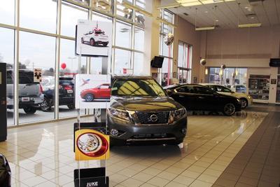 East Tennessee Nissan Image 6