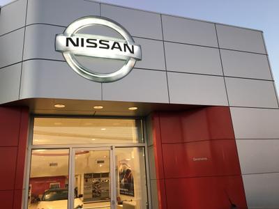 Simmons Nissan Image 1