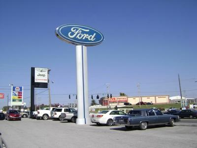 Hunt Ford Chrysler Dodge Jeep Image 1