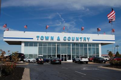 Town & Country Ford Image 5