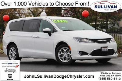 Chrysler Pacifica 2017 for Sale in Yuba City, CA