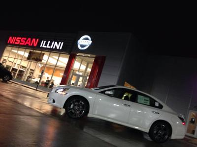Illini Nissan Image 3