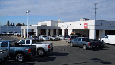 Dow Lewis Motors Inc Image 1