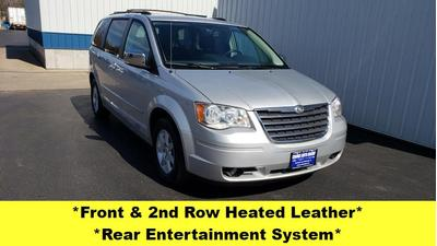 Chrysler Town & Country 2010 for Sale in Kewanee, IL