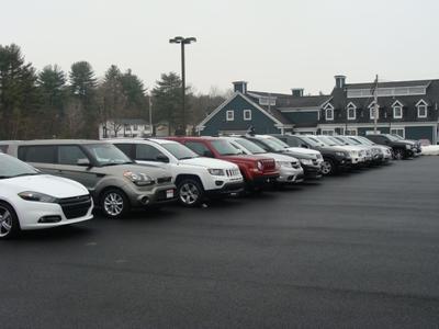Milford Chrysler Sales Image 5