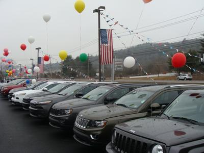 Milford Chrysler Sales Image 6