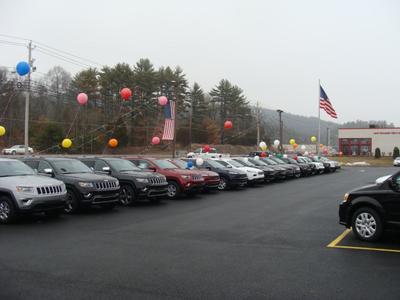Milford Chrysler Sales Image 9