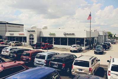 Sam Leman Dodge Chrysler Jeep RAM - Peoria Image 7