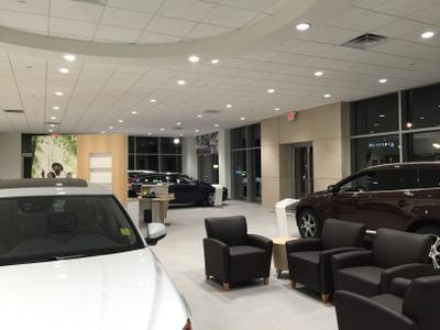 Red Bank Volvo Cars Image 8