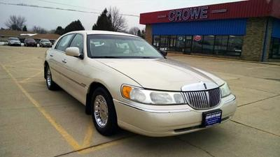 Lincoln Town Car 2002 for Sale in Geneseo, IL