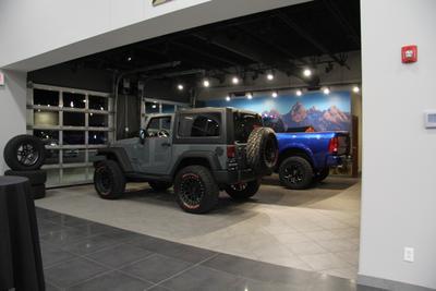 Sam Leman Dodge Chrysler Jeep RAM Fiat - Morton Image 5