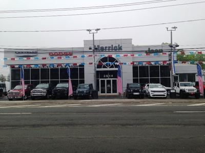Merrick Dodge Chrysler Jeep RAM of Wantagh Image 2
