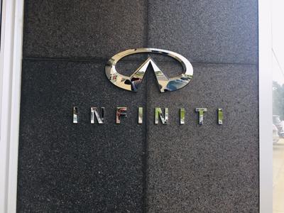 Lia INFINITI Image 6