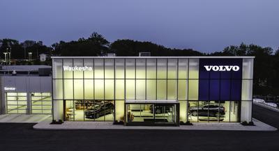 Fields Jaguar Land Rover Volvo Waukesha Image 8