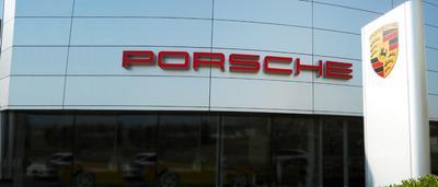 Porsche Clifton Park Image 5