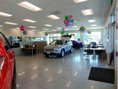 Lynch Chrysler Dodge Jeep RAM Image 7
