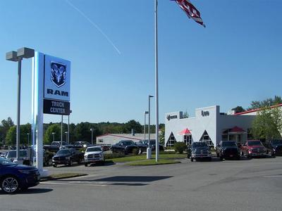 Lee Dodge Chrysler Jeep RAM Westbrook Image 1