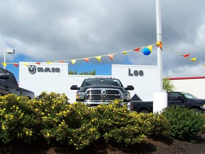 Lee Dodge Chrysler Jeep RAM Westbrook Image 3