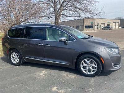 Chrysler Pacifica 2020 for Sale in Chamberlain, SD