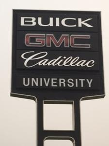 University Auto Center GMC/Buick/Cadillac Image 5