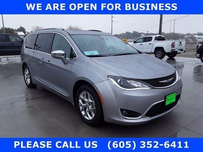 Chrysler Pacifica 2017 for Sale in Huron, SD