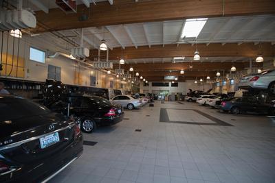 Mercedes-Benz of Bellevue Image 4