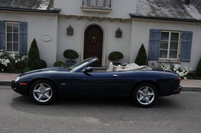 1998 Jaguar XK8  for sale VIN: SAJGX2245WC023725